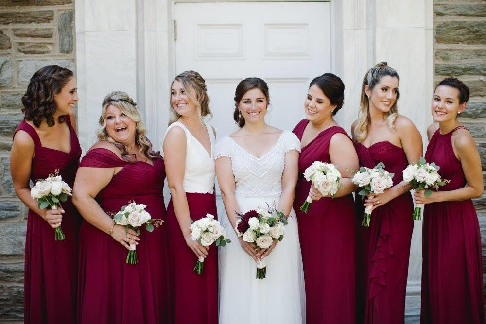 Eight Creative Ways to Make Your Maid of Honor Stand Out